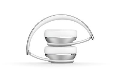 Beats solo3 wireless headphones   satin silver %285%29
