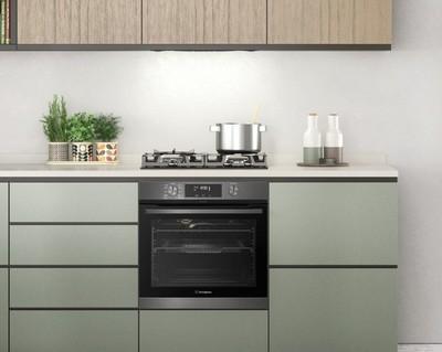 Westinghouse 60cm 3 burner black tempered glass gas cooktop %281%29