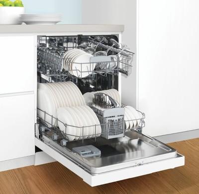 Westinghouse 60cm freestanding dishwasher  white2 %281%29