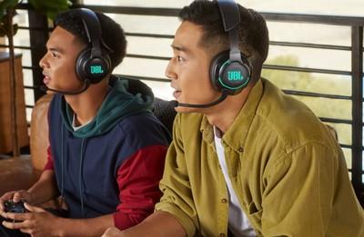 Jbl quantum 800 headphones %283%29
